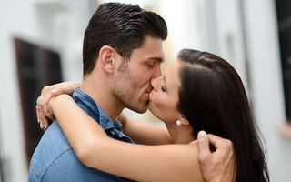 De ce simțim nevoia să ne sărutăm?