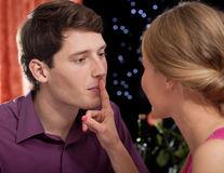 Cuvinte interzise la prima întâlnire: ce să nu-i spui niciodată!
