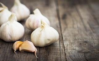 10 motive pentru care trebuie să consumi în fiecare zi usturoi
