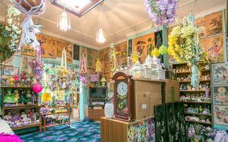 Casa kitsch-ului e de vânzare! Ai putea să locuiești în ea?