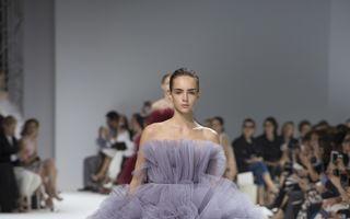 Rochii de basm: Creațiile uimitoare Giambattista Valli care te fac să visezi cu ochii deschiși