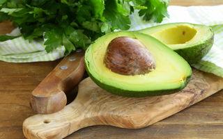 Cum păstrezi un avocado proaspăt pentru mai mult timp