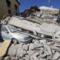 Un român a murit în cutremurul din Italia. Alţi doi români sunt răniţi şi nouă sunt daţi dispăruţi