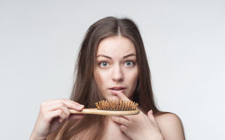 De ce ne cade mai mult păr toamna? Răspunsul specialistului