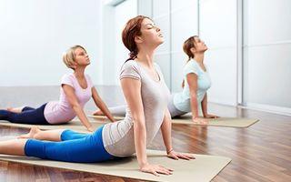 6 exerciții yoga care îți fac sânii mai frumoși