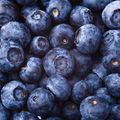 10 fructe care curăţă tenul
