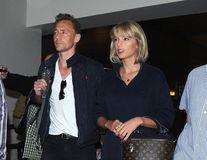 Taylor Swift și Tom Hiddleston s-au despărţit