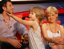 Dana Nălbaru şi Dragoş Bucur şi-au retras fiica de la şcoală. Copilul va învăţa acasă