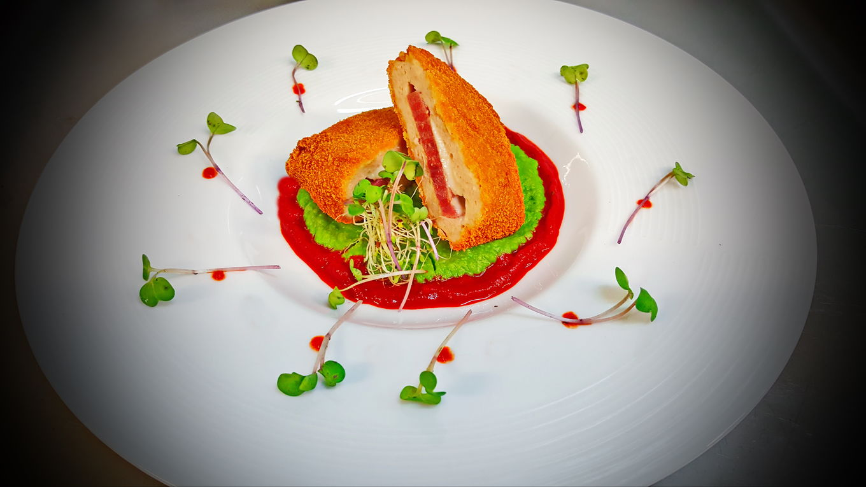 Cordon bleu cu piure de mazare by Chef Paul Siserman