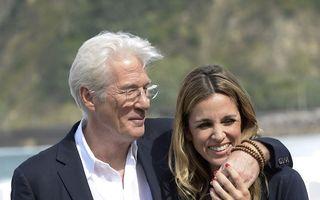 Richard Gere, îndrăgostit la 67 de ani: Are o iubită superbă, mai tânără cu 34 de ani
