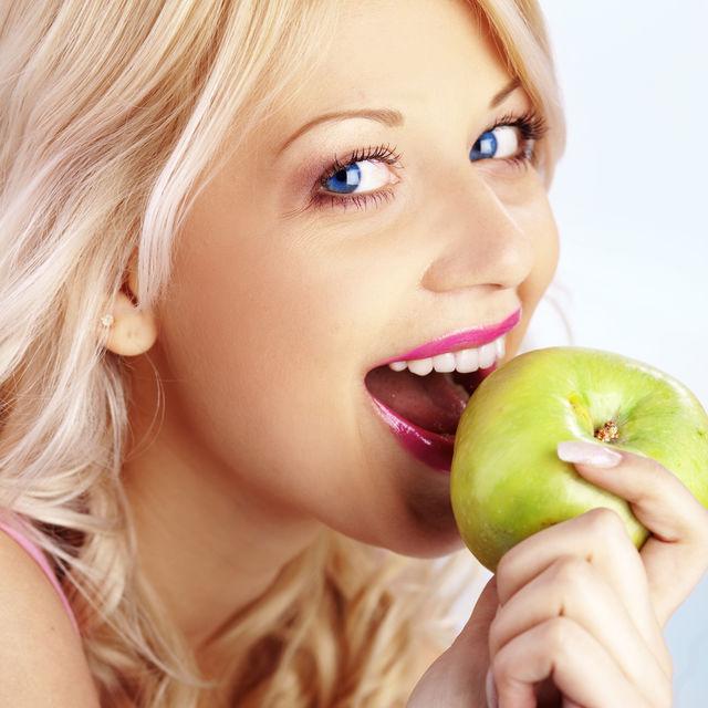 Avantajele implanturilor dentare