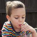 De ce sunt periculoase sucurile pentru copii?