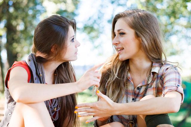 7 indicii ca să deosebești un prieten adevărat de unul toxic