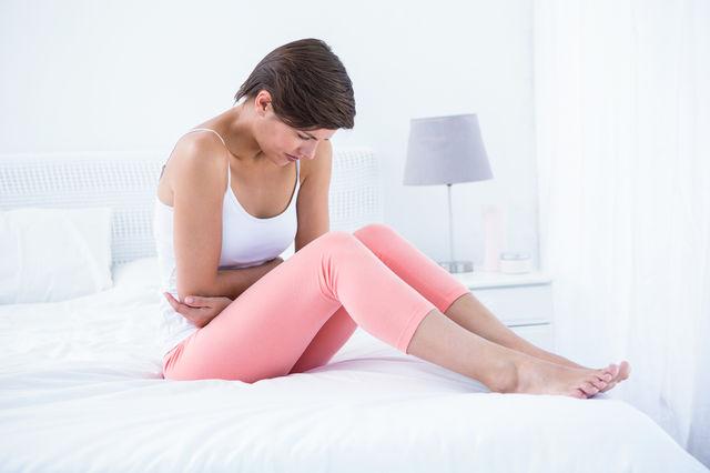 Femeie la menstruatie