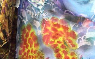 Cea mai scandaloasă rochie din lume, expusă la Londra: Clienţii au fost şocaţi
