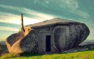 15 cele mai ciudate case din lume. Par ireale!