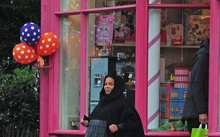 Janet Jackson, apariţie-şoc: Vedeta însărcinată la 50 de ani, într-o ţinută islamică