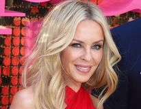 """Kylie Minogue arată fabulos la 48 de ani. Care e """"arma secretă"""" a vedetei"""