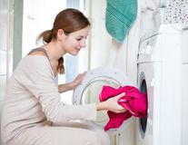 10 greșeli pe care le faci când speli rufele