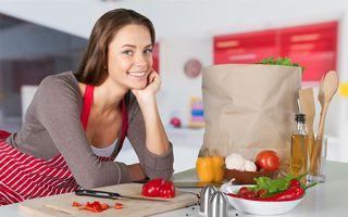 12 trucuri simple în bucătărie care te ajută să găteşti mai repede şi mai uşor