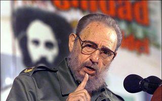 Fidel Castro a murit