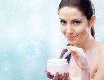 Cele mai bune soluţii naturale pentru îngrijirea pielii