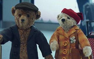 Cea mai frumoasă reclamă de Crăciun: Cei doi ursuleţi care au cucerit lumea - VIDEO