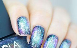 Manichiura galaxie, un trend pe care să-l încerci pentru unghiile tale