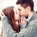 5 diferențe dintre iubirea adevărată și atașament
