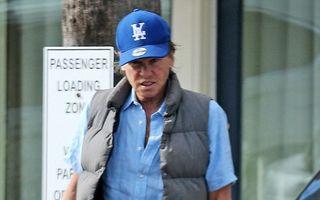Val Kilmer, prima poză după ce s-a scris că are cancer. Starul e tot mai slăbit