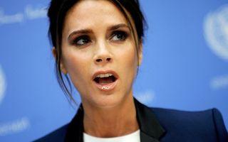 Victoria Beckham la cratiţă: I-a explodat terciul în cuptor!