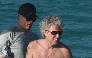 Jon Bon Jovi, la bustul gol: Ca la 20 de ani!