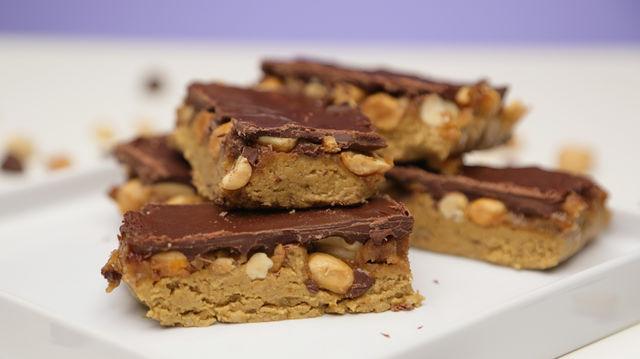 Batoane Snickers vegane