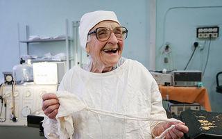 Cel mai în vârstă chirurg din lume: Are 89 de ani şi face 4 operaţii pe zi!