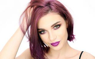 Te-ai hotărât să îţi schimbi culoarea părului? Iată cum ar trebui să te machiezi!