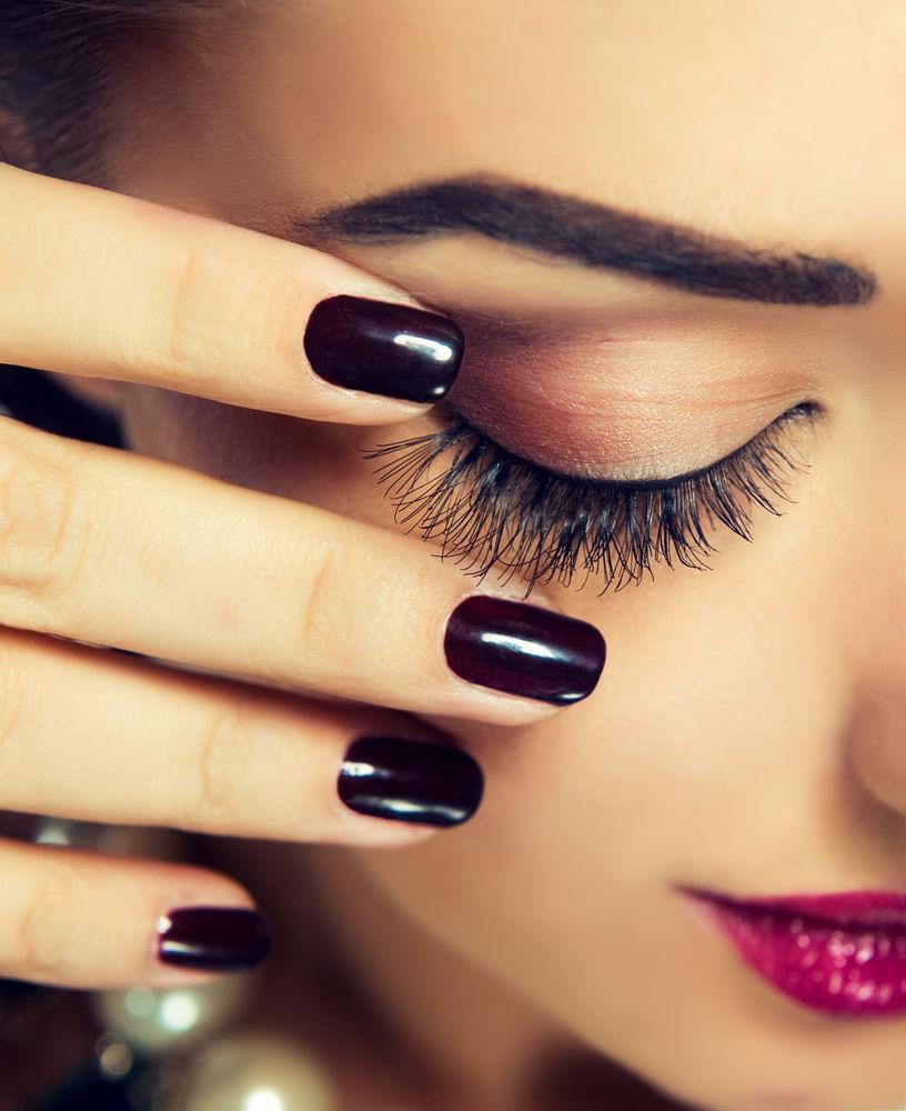 Ce culori de ojă ți se potrivesc în funcție de forma unghiilor tale