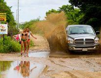 30 de fotografii amuzante surprinse cu o secundă înaintea dezastrului