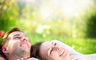 5 lucruri pe care le fac bărbaţii atunci când sunt cu adevărat îndrăgostiţi