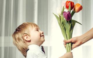 Cum să-ți înveți băiețelul să fie un gentleman