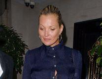 Kate Moss, fără machiaj la 43 de ani: Mai puţin glamour, mai multă încredere