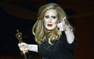 Adele a anunţat în timpul unei concert că s-a căsătorit