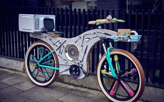 Ceva deosebit: Bicicleta făcută din linguri, furculiţe şi alte ustensile din bucătărie - FOTO