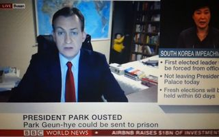 Parodie după viralul cu interviul de la BBC. Cum ar fi rezolvat o mamă situaţia - VIDEO