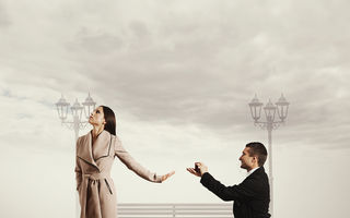 Cele 4 zodii care fug de căsătorie