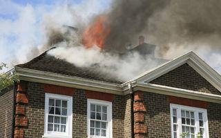 Ce să faci dacă te afli într-o casă care ia foc?