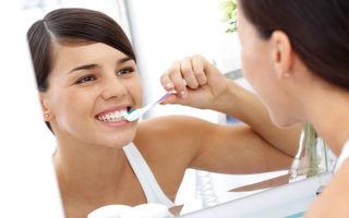 Cum să-ţi periezi eficient dantura? 10 sfaturi pentru dinţi albi şi strălucitori