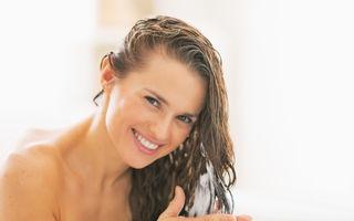 O nouă tehnică: Ce se întâmplă dacă folosești întâi balsam și apoi șampon?