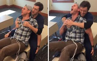 """Cum reacţionează un bărbat la """"durerile naşterii"""". Râzi cu lacrimi!"""