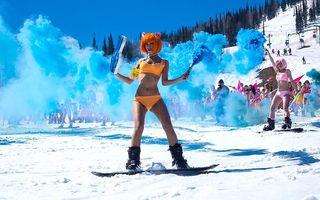 Bikini Party pe pârtie: Aşa se închide sezonul de schi în Siberia!