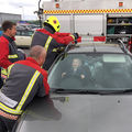 Reacţia unui băieţel de un an blocat în maşină când au venit pompierii să-l scoată - FOTO